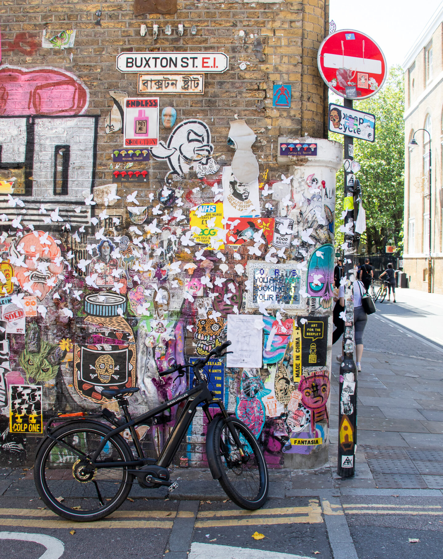 Buxton Street is a hot spot for informal street art and graffiti. The walls are covered in colourful and thought provoking art works.